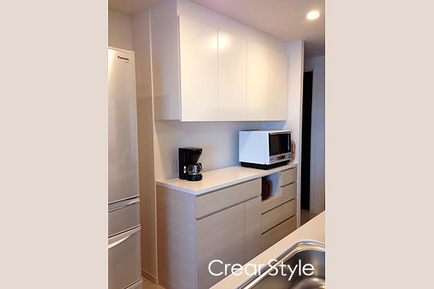ゴミ箱スペースを確保した食器棚